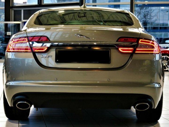 Jaguar XF 3.0 V6 240 Diesel Luxe Premium (04/2013) Gris metal champagne - 4