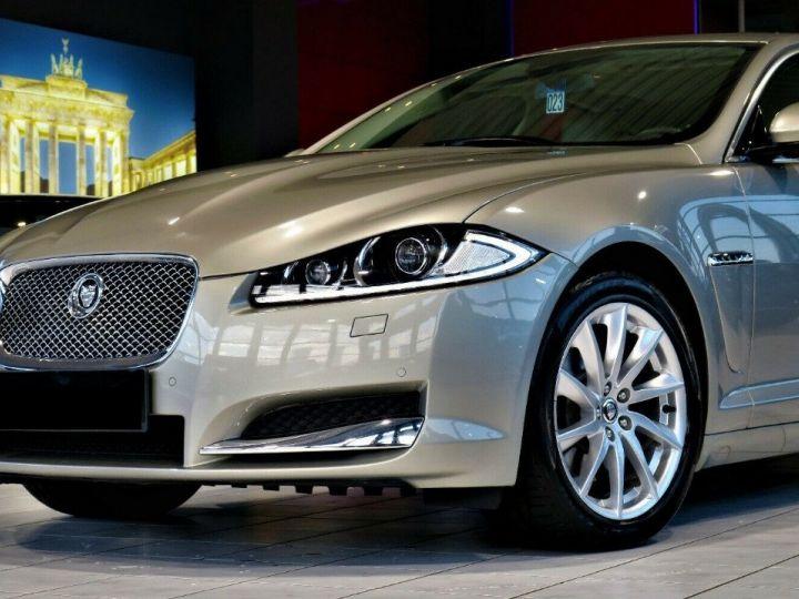 Jaguar XF 3.0 V6 240 Diesel Luxe Premium (04/2013) Gris metal champagne - 5