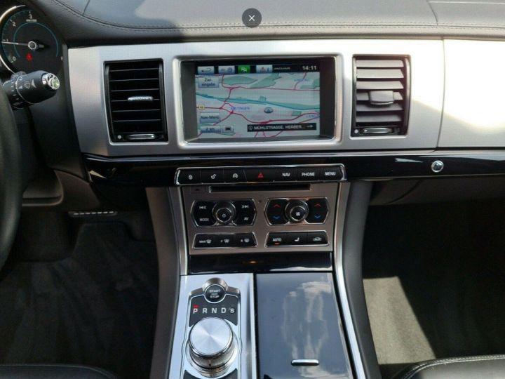 Jaguar XF  3.0 V6 D S 275 LUXE PREMIUM 08/2014 noir métal - 11