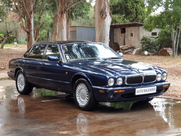 Jaguar XJ8 3.2 L V8 PACK CLASSIC BLEU MARINE METALLISE - 1