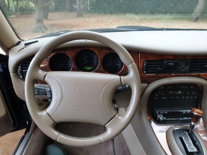 Jaguar XJ8 3.2 L V8 PACK CLASSIC BLEU MARINE METALLISE - 4