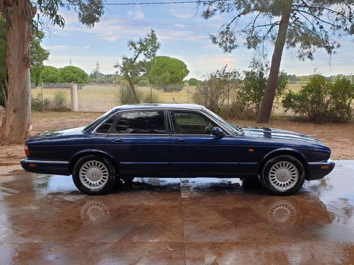 Jaguar XJ8 3.2 L V8 PACK CLASSIC BLEU MARINE METALLISE - 9