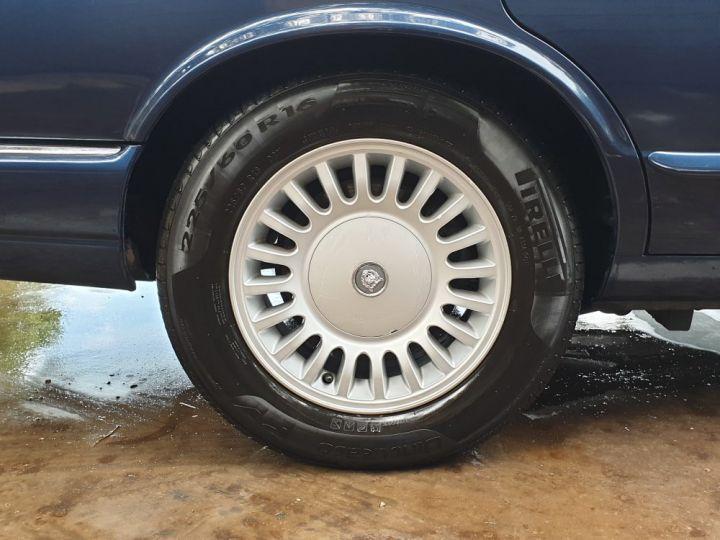 Jaguar XJ8 3.2 L V8 PACK CLASSIC BLEU MARINE METALLISE - 12