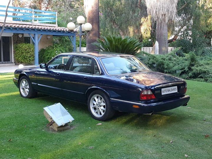 Jaguar XJ8 3.2 L V8 PACK CLASSIC BLEU NUIT METALLISE - 8