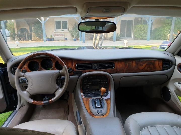 Jaguar XJ8 3.2 L V8 PACK CLASSIC BLEU NUIT METALLISE - 13