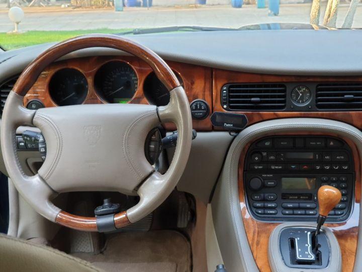 Jaguar XJ8 3.2 L V8 PACK CLASSIC BLEU NUIT METALLISE - 14