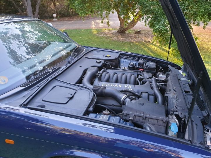 Jaguar XJ8 3.2 L V8 PACK CLASSIC BLEU NUIT METALLISE - 16