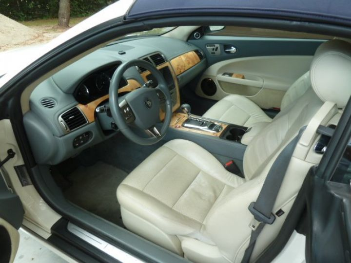 Jaguar XKR 4.2 L CONVERTIBLE BVA BLANC - 10