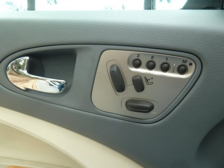 Jaguar XKR 4.2 L CONVERTIBLE BVA BLANC - 12