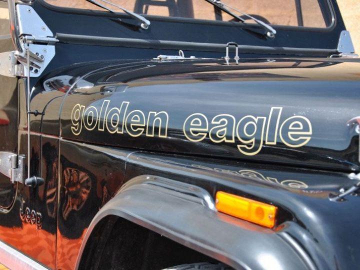 Jeep CJ7 5.0L V8 304 GOLDEN EAGLE Noir - 12