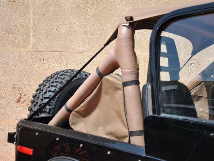 Jeep CJ7 5.0L V8 304 GOLDEN EAGLE Noir - 13
