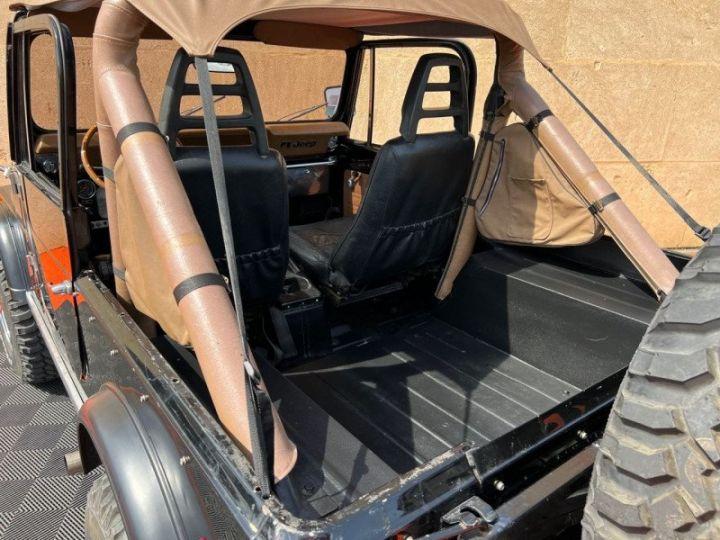 Jeep CJ7 5.0L V8 304 GOLDEN EAGLE Noir - 14
