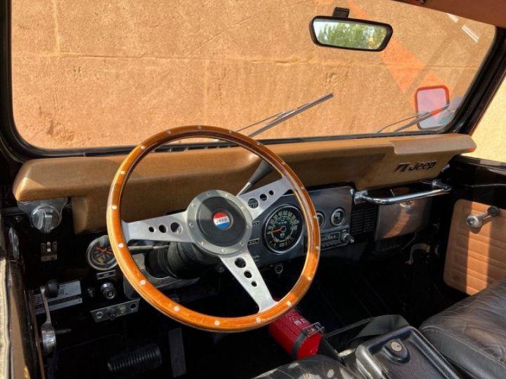 Jeep CJ7 5.0L V8 304 GOLDEN EAGLE Noir - 15