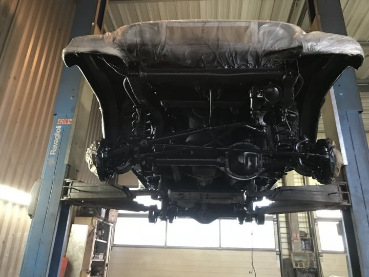 Jeep WRANGLER 2.5 L Sport 143 CV Gris clair - 19