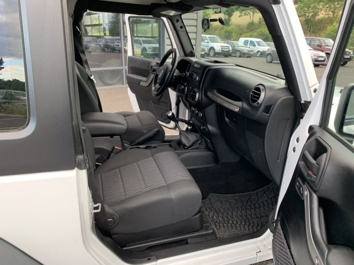 Jeep Wrangler JK 2.8 L CRD 200 CV Sport Boite mécanique Blanc - 9