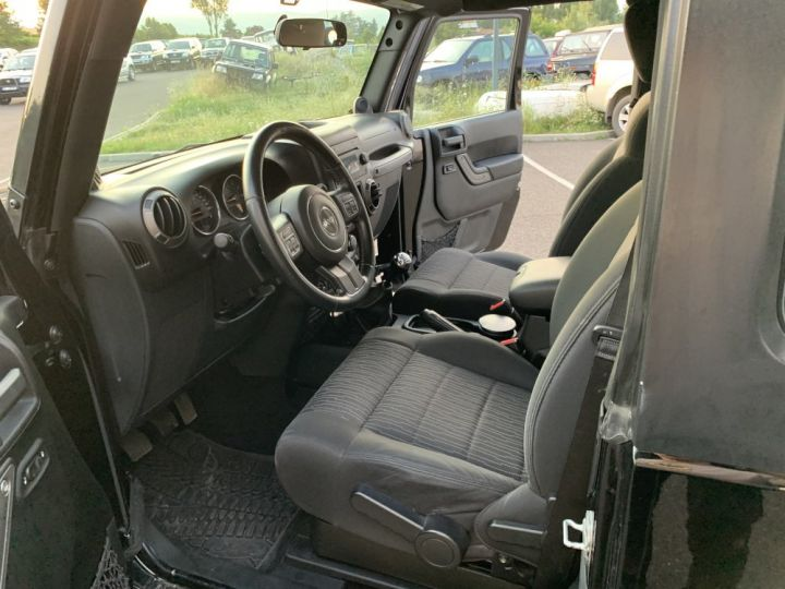Jeep Wrangler JK 2.8 L CRD 200 CV Sport Boite mécanique Noir - 11