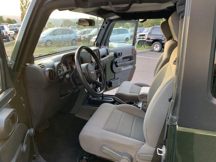 Jeep Wrangler JK 3.8 L V6 RUBICON Vert Foncé - 8