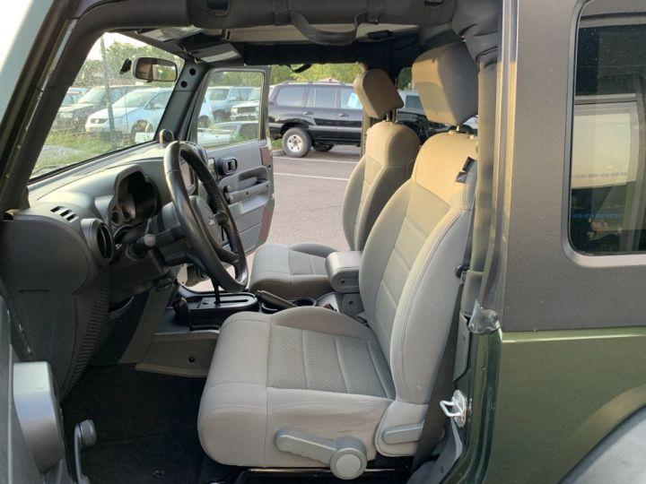 Jeep Wrangler JK 3.8 L V6 RUBICON Vert Foncé - 9