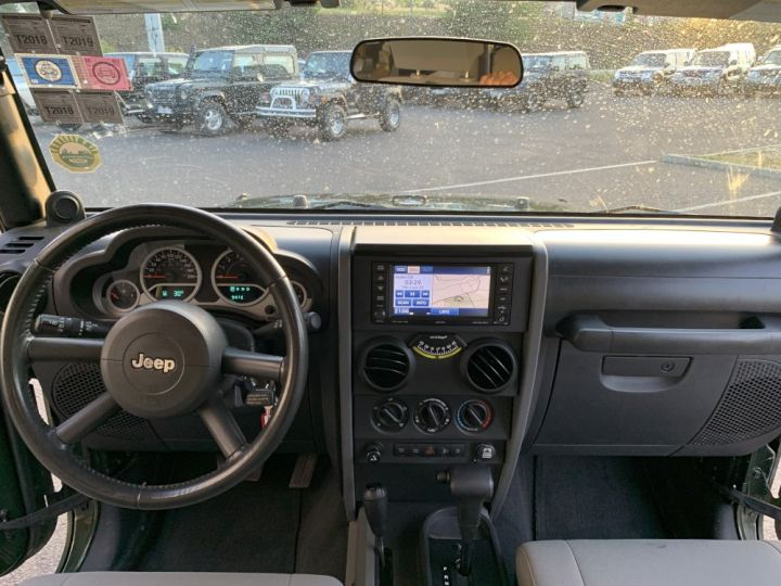 Jeep Wrangler JK 3.8 L V6 RUBICON Vert Foncé - 14