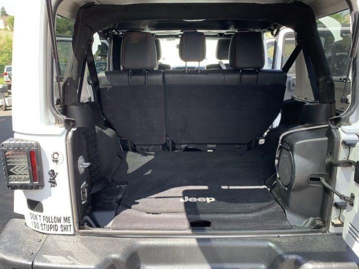 Jeep WRANGLER JK ULIMITED 2.8 L CRD 200 CV Arctic Blanc - 12