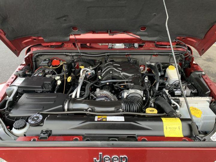 Jeep Wrangler JKU 3.6 L V6 284 CV Sahara Bordeaux - 9