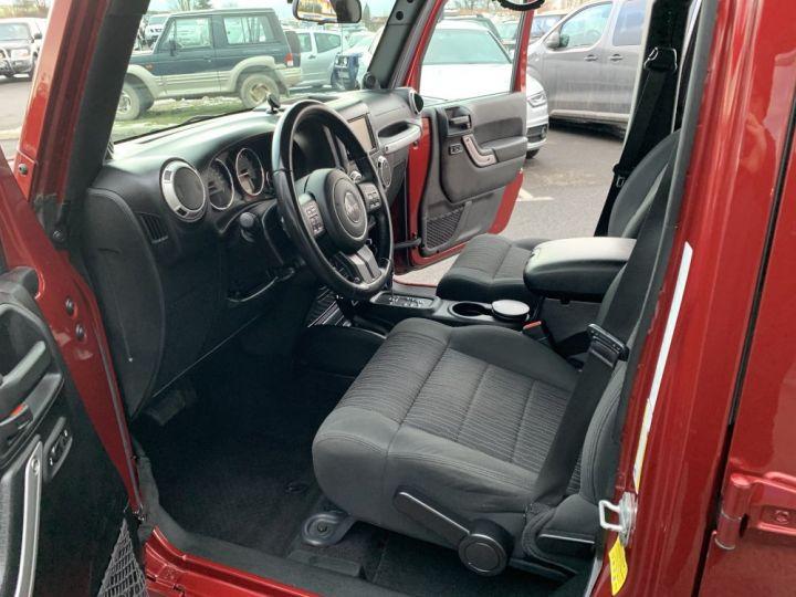 Jeep Wrangler JKU 3.6 L V6 284 CV Sahara Bordeaux - 13