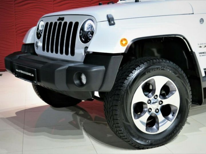 Jeep Wrangler Unlimited Sahara* Blanc - 10