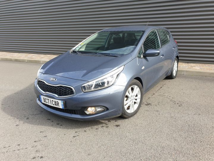 Kia CEE'D cee d 2 ii 1.6 crdi 110 style bv6 Gris Anthracite Occasion - 1