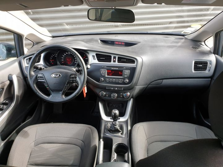 Kia CEE'D cee d 2 ii 1.6 crdi 110 style bv6 Gris Anthracite Occasion - 7