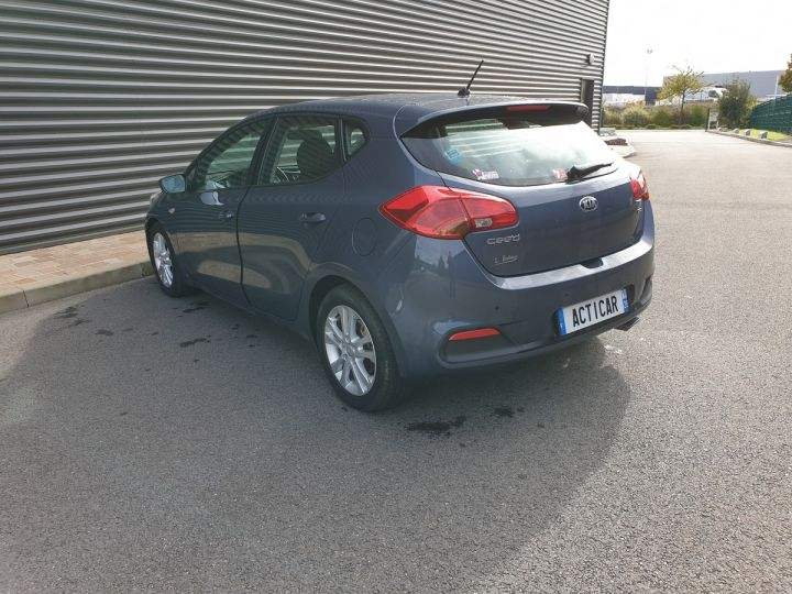 Kia CEE'D cee d 2 ii 1.6 crdi 110 style bv6 Gris Anthracite Occasion - 18