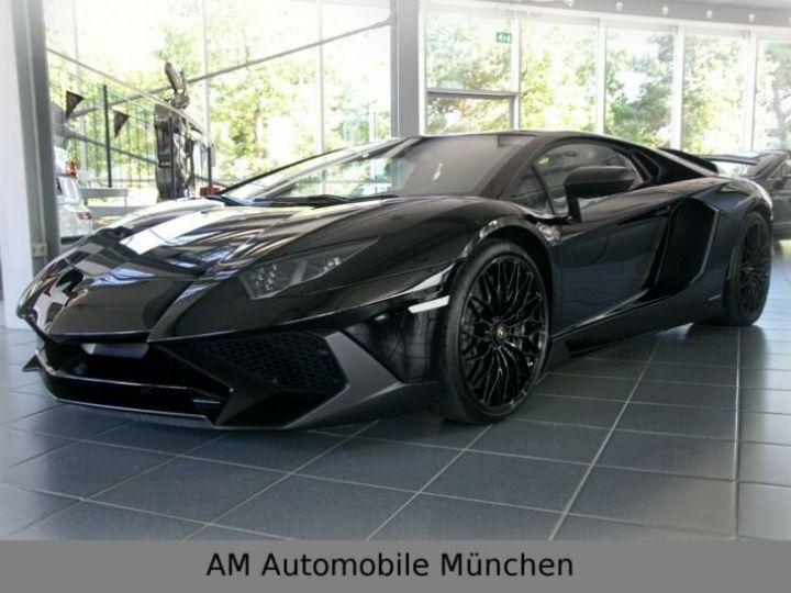 Lamborghini Aventador noire - 1