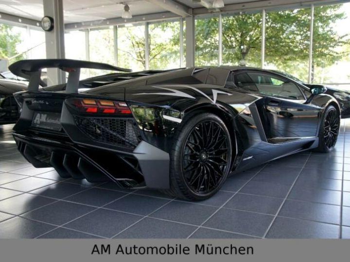 Lamborghini Aventador noire - 4