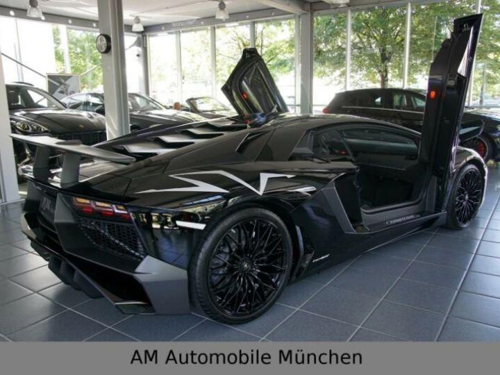 Lamborghini Aventador noire - 8
