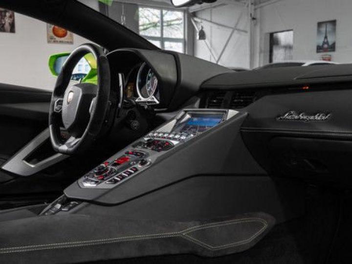 Lamborghini Aventador 6.5 V12 700 LP700-4 Vert Ithaca métallisé - 10