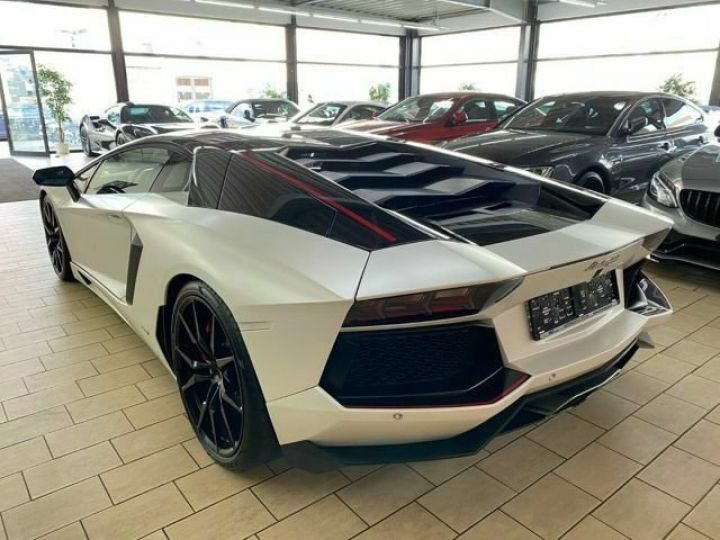 Lamborghini Aventador Lamborghini AVENTADOR LP 700-4 blanc - 11