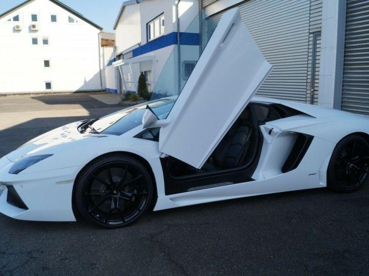 Lamborghini Aventador LP 700-4 BLANC - 2