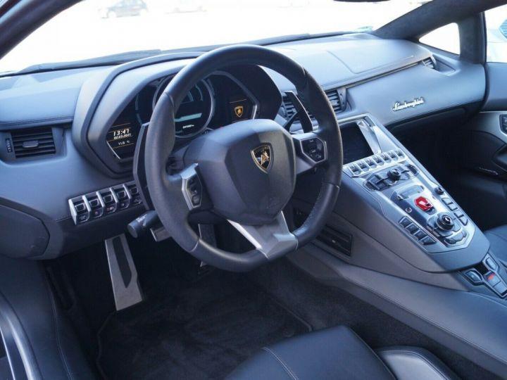 Lamborghini Aventador LP 700-4 BLANC - 9