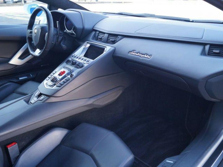 Lamborghini Aventador LP 700-4 BLANC - 13