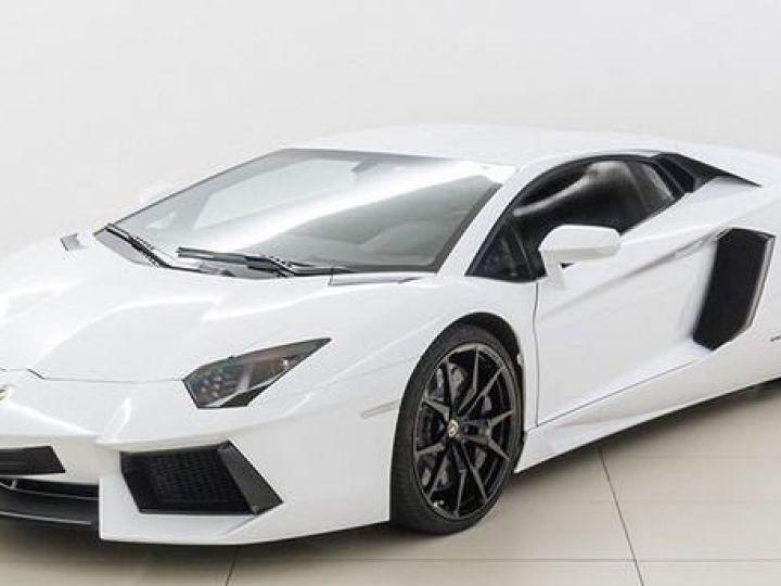 Lamborghini Aventador LP700-4 e-gear  blanc - 1