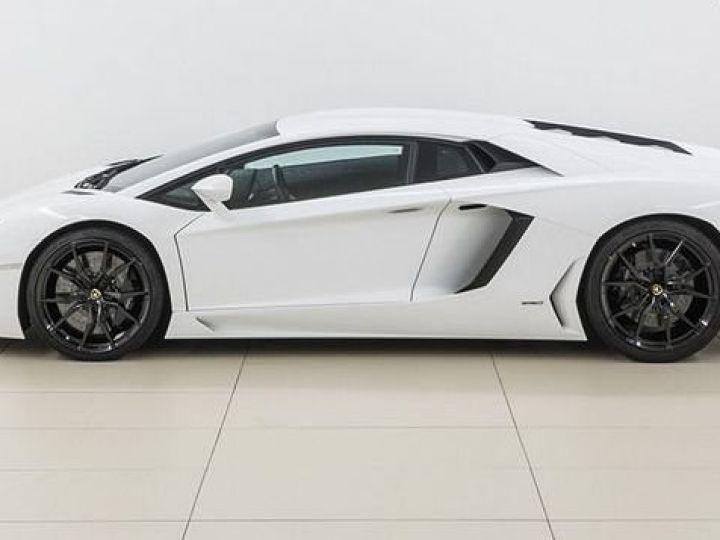 Lamborghini Aventador LP700-4 e-gear  blanc - 2