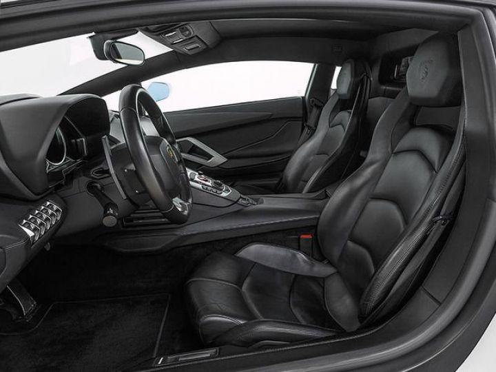 Lamborghini Aventador LP700-4 e-gear  blanc - 9