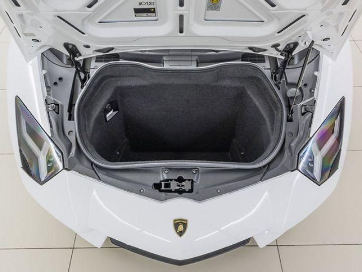 Lamborghini Aventador LP700-4 e-gear  blanc - 11