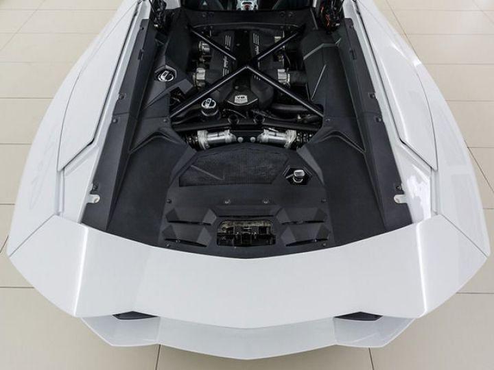 Lamborghini Aventador LP700-4 e-gear  blanc - 12