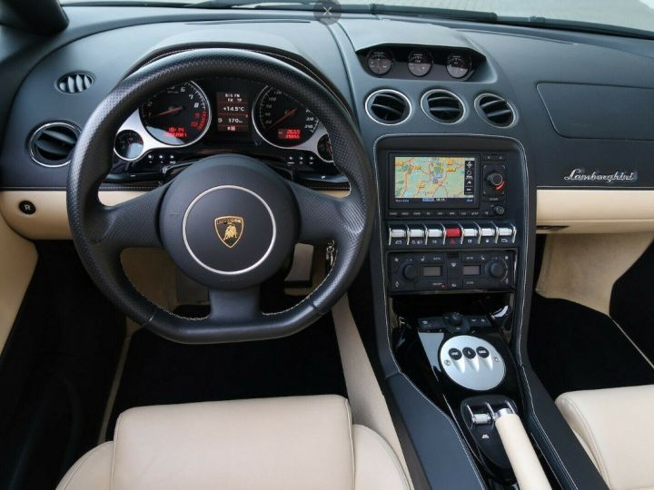 Lamborghini Gallardo SPYDER LP560-4 E-GEAR noir métal - 4