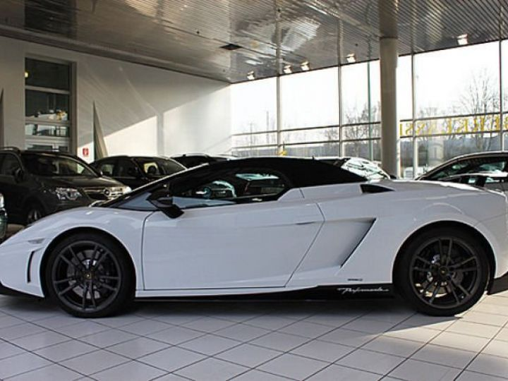 Lamborghini Gallardo Spyder performante Spyder LP570-4 blanc - 6