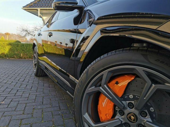 Lamborghini Urus noir  - 3
