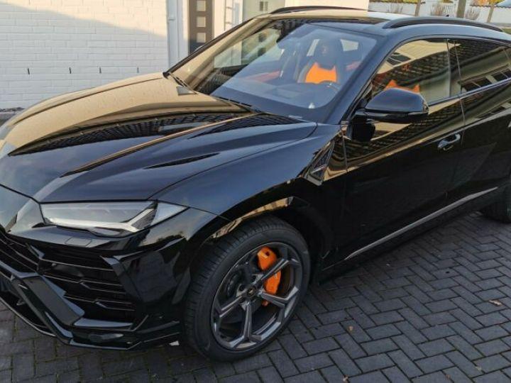 Lamborghini Urus noir  - 4