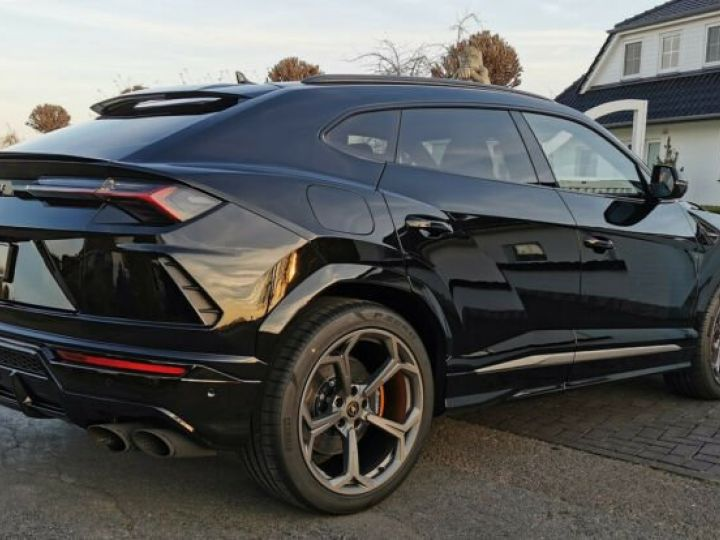 Lamborghini Urus noir  - 7