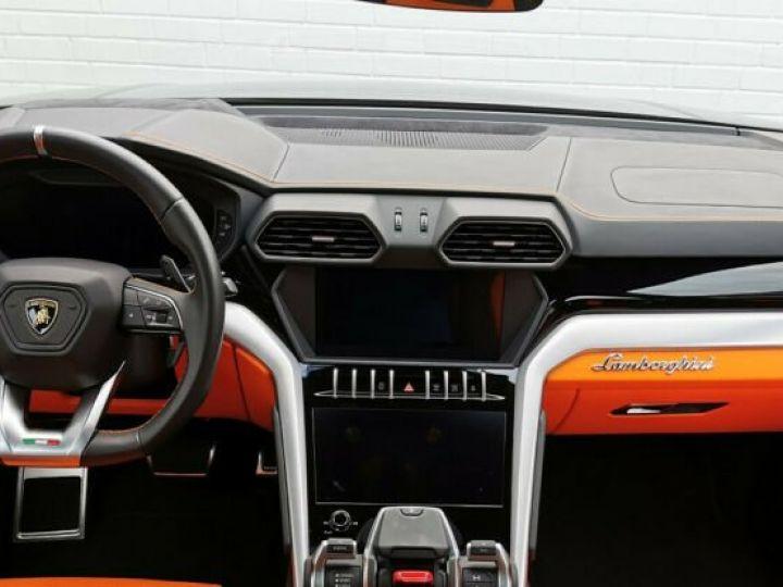 Lamborghini Urus noir  - 12