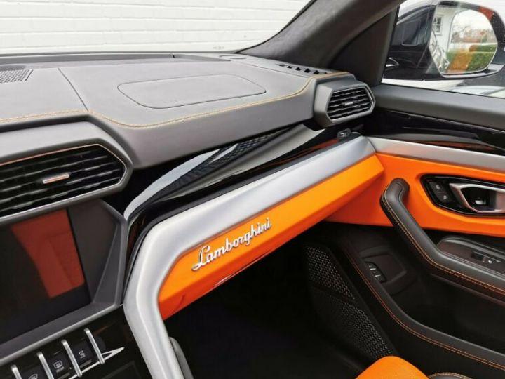 Lamborghini Urus noir  - 15